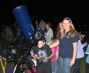 ~ Noeleen showing students the night sky ~